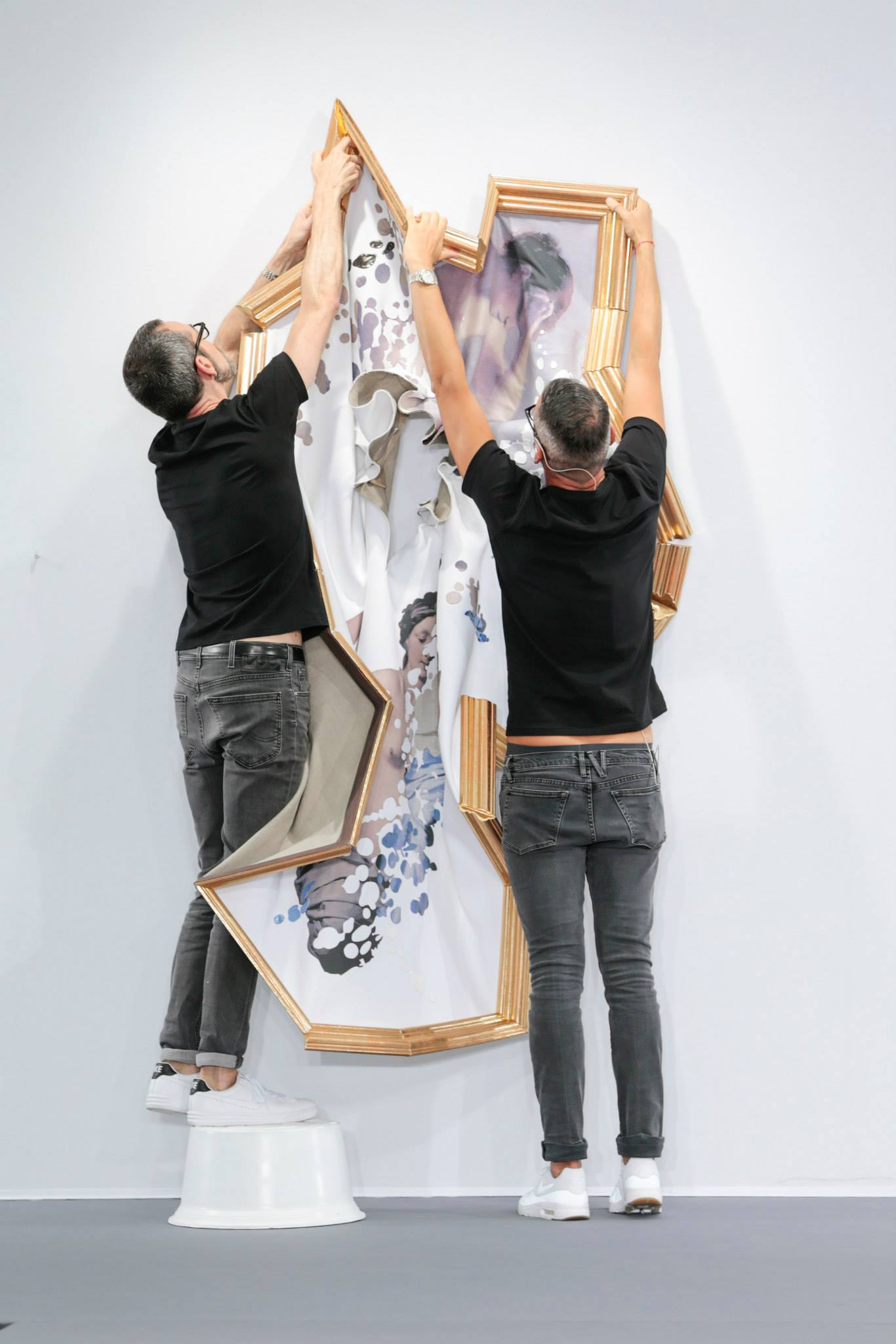 Fashion Duo Viktor Rolf Blur The Line Between Fashion And Art